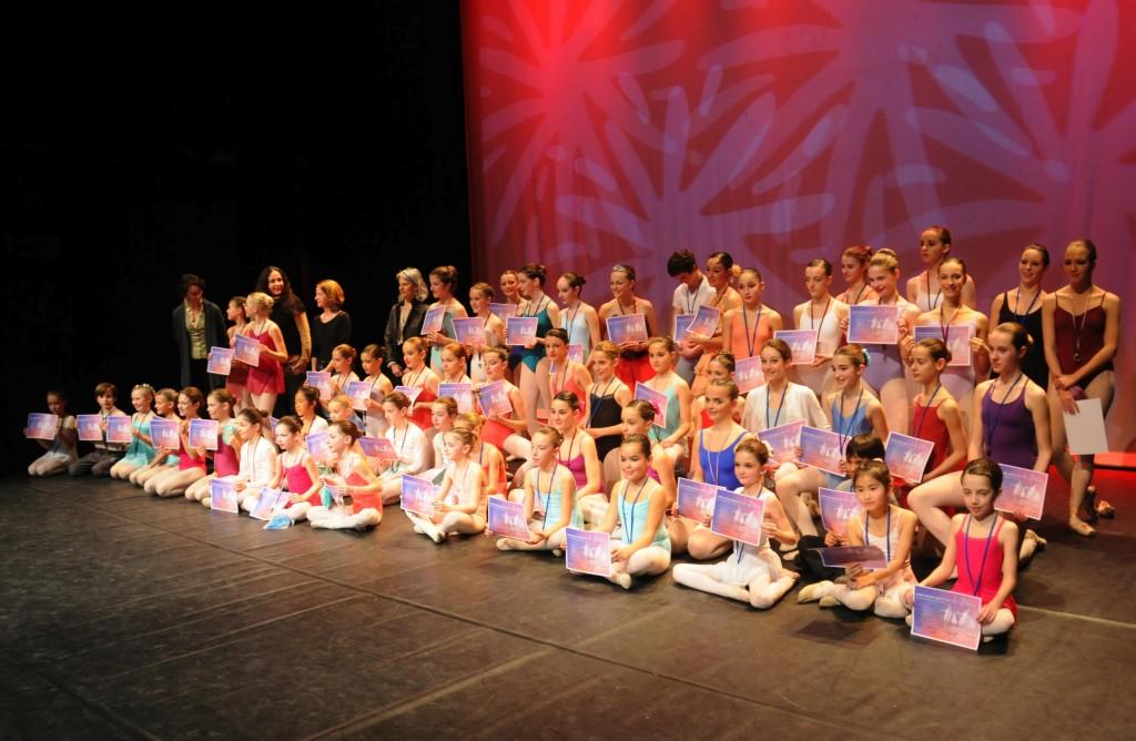 Photo finale de la remise des prix en Danse Classique